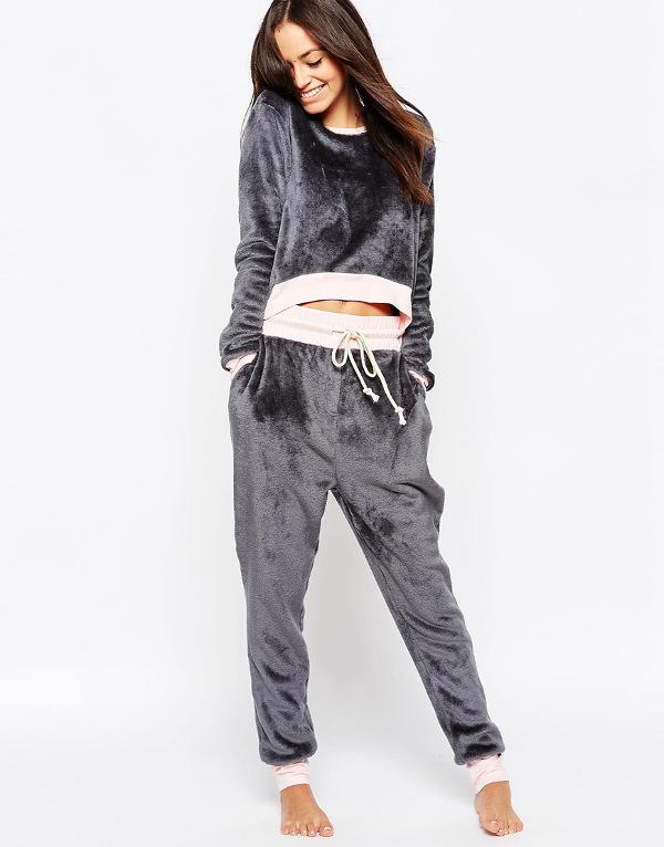 pyjamas_mink