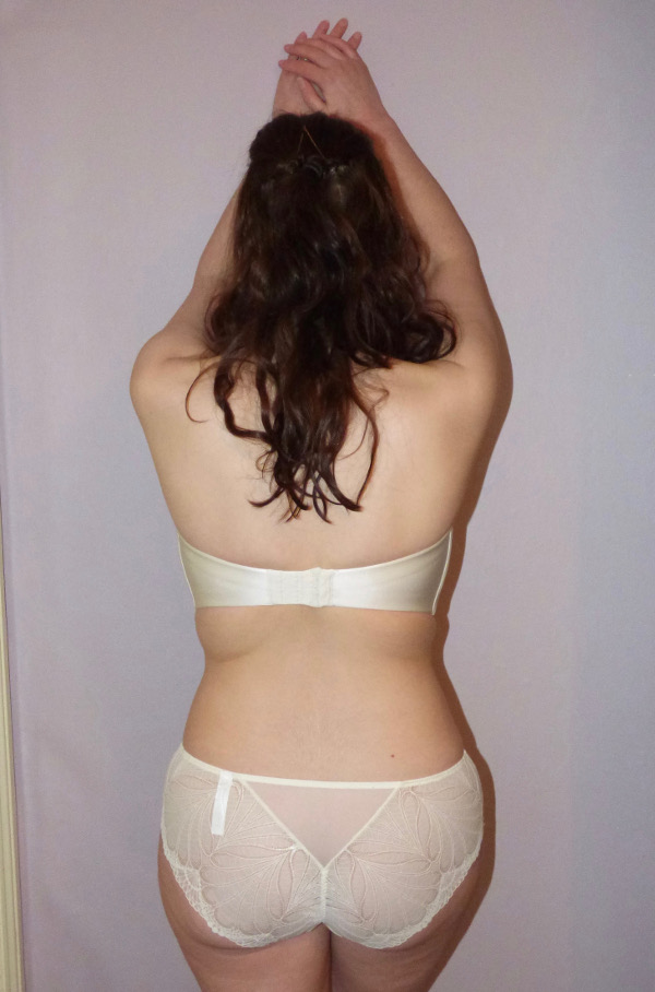 wonderbra_refined_back